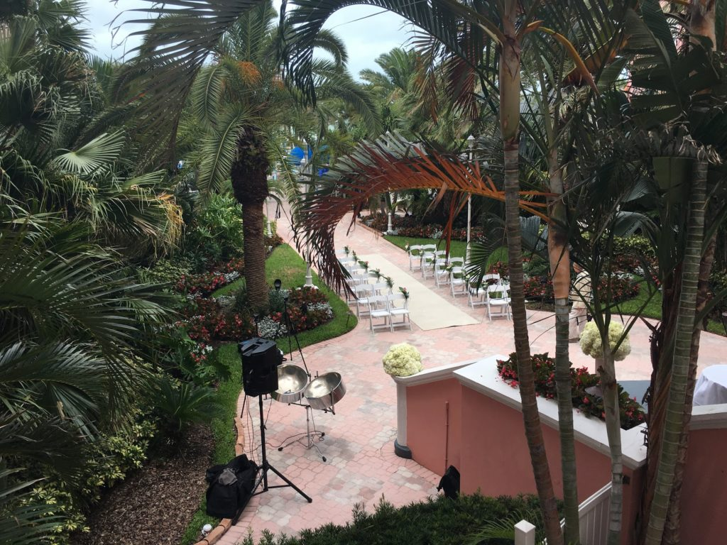 don cesar courtyard wedding ceremony front